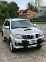 Vendo Toyota - SW4 SRV 2014 / 2015 Automática, baixa KM - 2015