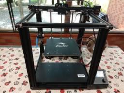 Impressora 3D Ender 5 montada e em estado de nova