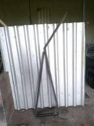 Suporte de bandeja para construção