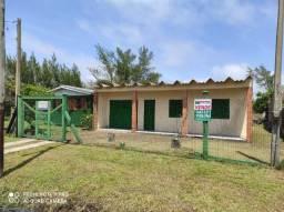 Ótima residência, com 2 dormitórios na Costa do Sol