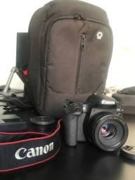 Câmera Canon 77D com Lente canon 50mm 1.8