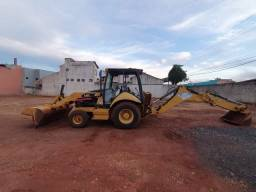 Retroescavadeira Caterpillar R$ 140.000