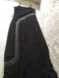 Título do anúncio: Vendo vestido de festa bordado longo .