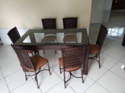 Mesa com 06 Cadeiras!!!