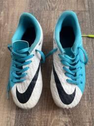 Título do anúncio: Chuteira campo Nike pouco usada TM 31