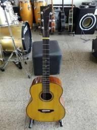 Violão feito por luthier