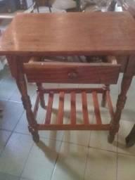 Título do anúncio: Mesa de madeira para estudo