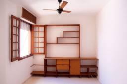Apartamento com 2 Quartos para Alugar, 61 m² por R$ 2.400/Mês