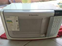 Microondas Electrolux 31 litros