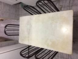 Mesa de mármore tubular