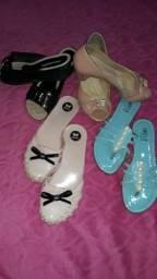 5 pares de sapatos p 50,00