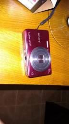 Máquina fotográfica Sdigital sony . nova