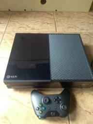Xbox one 500gb com 1 controle sem fio 2 jogos originais ótimo