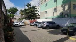Alugo Apartamento Semi Mobiliado 2/4, 56m2, Lauro de Freitas