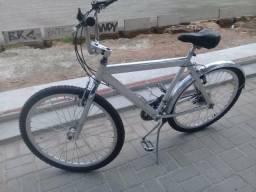 Bicicleta de alumínio com marchas