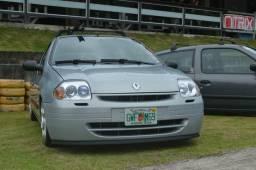 Clio 1.0 8v - 2002