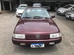 VW - Quantum 2.0 GLi 4 portas - 1995