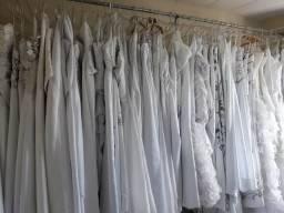 Loja noiva VENDO 200 vestidos