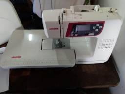 Maquina costura eletrônica - Janone - 2030 QDC com 30 pontos / Divido no cartão crédito!