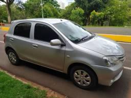 Toyota Etios xs 1.3 2013 completo