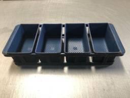 Vendo conjunto de formas c/ 4 und. pães especiais 350 gr teflon interno e externo
