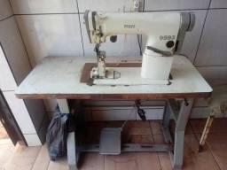 Maquina de costura de coluna