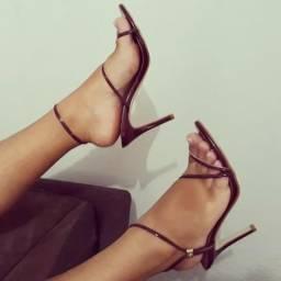 Estoque de sandálias