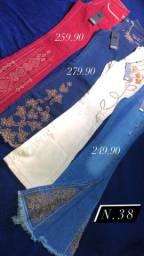 Roupas marca Country/Calças bordadas