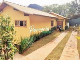 Casa linear em Itaipava, 3 suítes, nova, em local seguro, a 10 mim Centro Itaipava