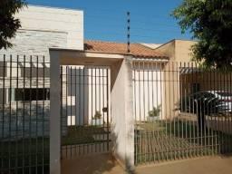 Vendo Ótima Casa Sagrada Família - Frente ao Sesc