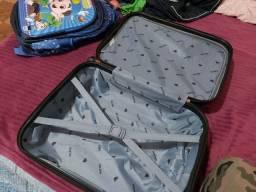Vendo mala de viagem semi nova