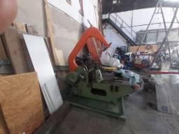 Maquina de cortar ferro