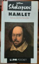 "Livro ""Hamlet"" de William Shakespeare"