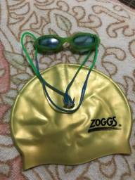 Toca de natação e óculos