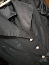 Blazer de cetim preto