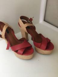 Vendo sandália Arezzo TAM 35