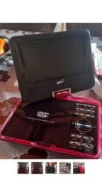 Título do anúncio: DVD portaril com bateria boa e controle