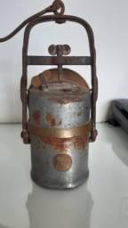 Lanterna de Carbureto antiga