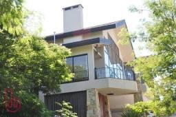 Casa à venda, de esquina, 500 M² de área construída, 525 M² de terreno, no Condomínio Resi
