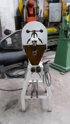 Frisadeira motorizada N.4, W Lobo