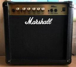 Amplificador / cubo para guitarra Marshall MG15