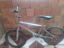 Vendo ou troco essa Bicicleta