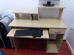 Escrivaninha para computador
