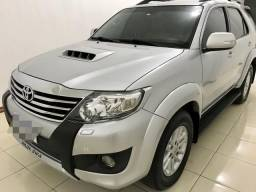 Hilux SW4 SRV EXTRA - 2014