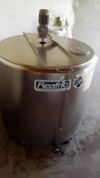 Ordenhadeira para vaca leiteira e tanque (resfriador de leite) 600 litros