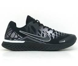 Tênis Nike Air Turno Preto e Branco