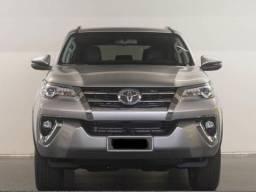 Toyota Hilux Sw4 - Entrada de 8.000 - 2017