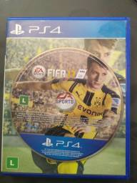 FIFA 17 PS4 usado poucas vezes