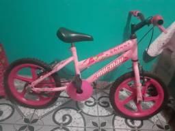 Vendo um bicicleta infantil feminina