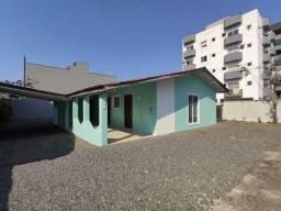 Título do anúncio: Casa comercial para alugar por R$ 2490.00, 95.39 m2 - BOM RETIRO - JOINVILLE/SC